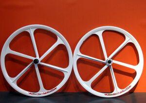 Литі диски на велосипед 26 дюймів