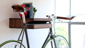 кріплення полку для зберігання велосипеда в квартирі