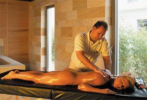 Баня і масаж в боротьбі з підшкірним жиром