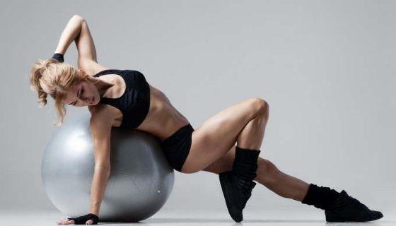 Ефективні вправи для хребта на фитболе