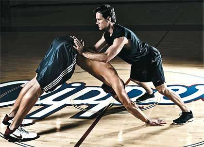 Йога для баскетболістів. Поєднання тренувань і йоги.