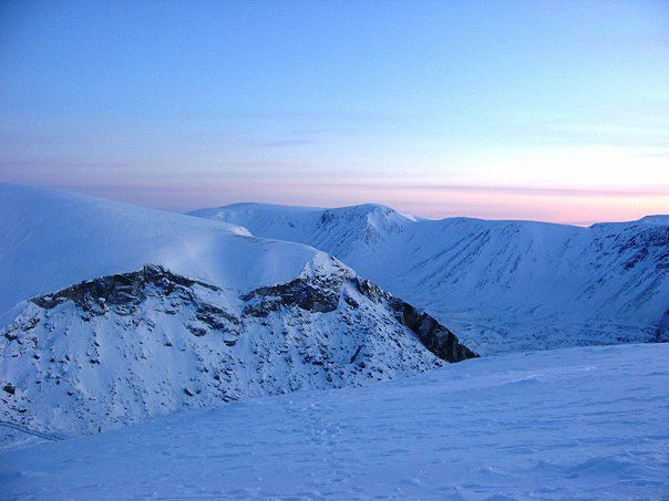 Вершина гори Айкуайвенчорр в Кіровську