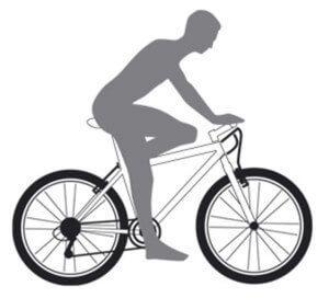 становище дитини на дитячому велосипеді