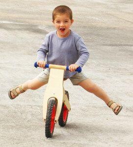 дитячий біговій велосипед