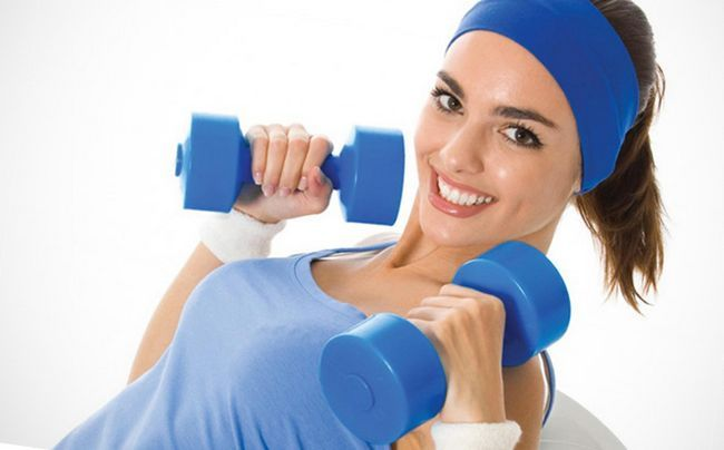 Як самостійно збільшити груди за допомогою вправ вдома?