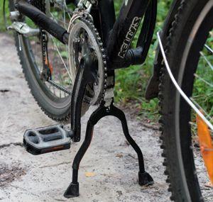 Коли може стати в нагоді підніжка для велосипеда