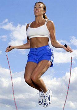Стрибки на скакалці для схуднення - і не потрібні ніякі кардіотренажери.