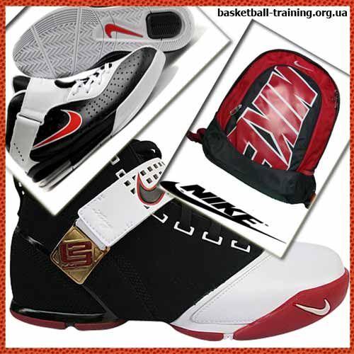 Кросівки і рюкзаки фірми Nike