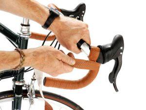 Шкіряна обмотка на кермо велосипеда