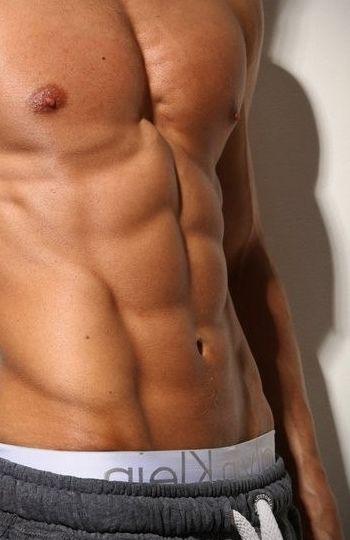 Прості та ефективні вправи для преса для чоловіків в домашніх умовах