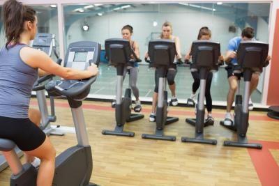 Скільки спалює калорій велотренажер