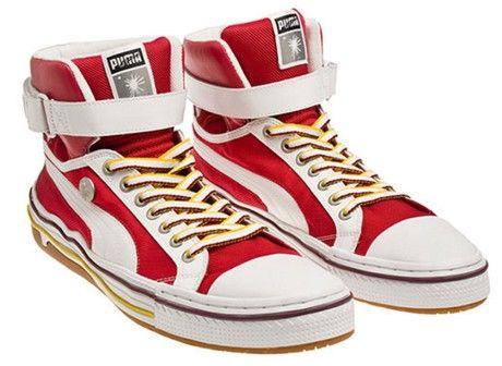 модна спортивний одяг та взуття