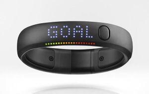 Стильний фітнес браслет Nike + FuelBand SE