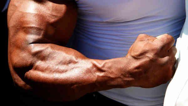 Потужна мускулатура рук