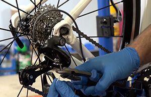 Трос перемикання швидкостей на велосипед: заміна, ціна