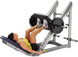 Вправи для стегон і сідниць в тренажерному залі для дівчат.