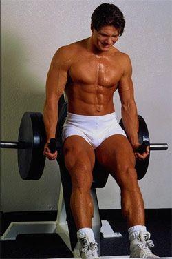 Як чоловіче здоров`я пов`язано з присіданнями зі штангою?