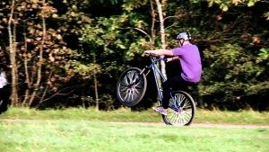 Урок №2 - як навчитися кататися на велосипеді відео