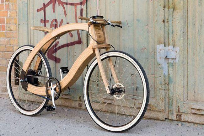 В якому році винайшли перший двоколісний дерев`яний велосипед