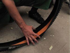 Антипрокольна стрічка для велосипеда